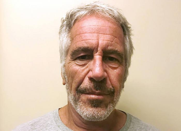 Francia abre una investigación por violación y abuso de menores a Jeffrey Epstein