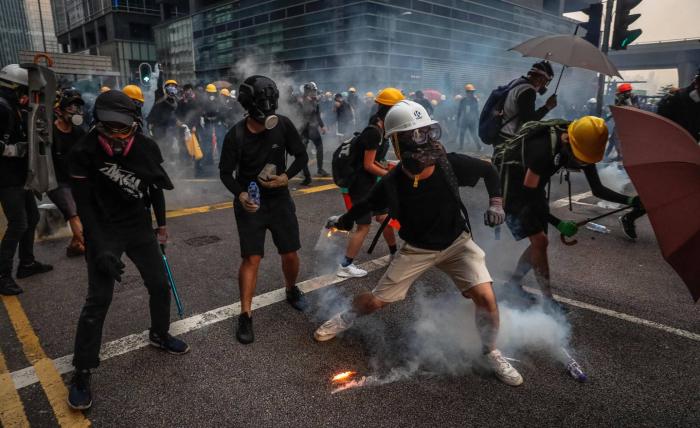 La violencia vuelve a las manifestaciones de Hong Kong