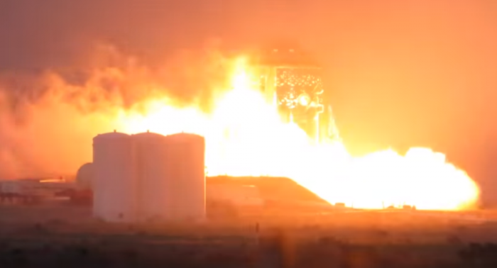 SpaceX testet erfolgreich Prototyp für superschwere Mars-Rakete – Video