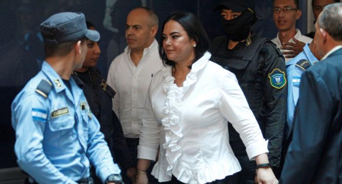 Fiscalía pide 77 años de cárcel para ex primera dama de Honduras por corrupción