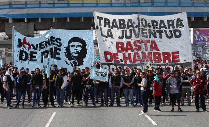 Macri intenta a la desesperada evitar un colapso económico en su mandato