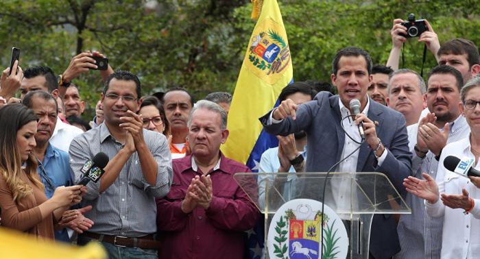 """غوايدو يتحدث عن """"مهزلة جديدة"""" تجهزها الجمعية التأسيسية في فنزويلا"""