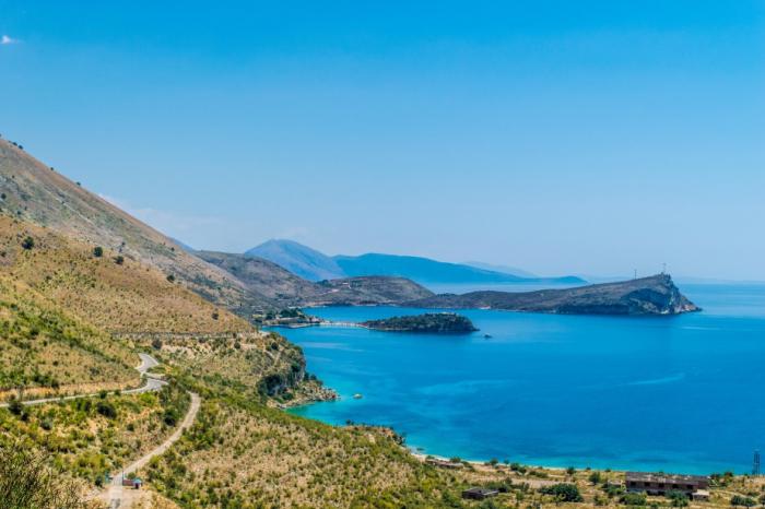 Albanie : un restaurateur agresse des touristes espagnols, son restaurant est rasé