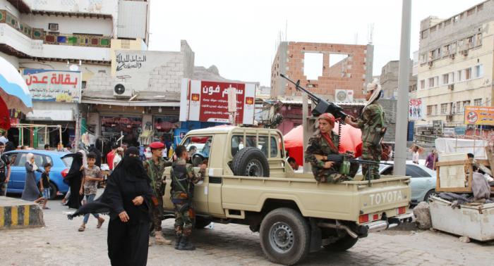 مسؤول يمني: خطر الإمارات على اليمن أكبر من إيران