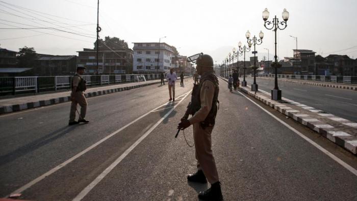 Cachemire:   un chauffeur tué, avant un entretien entre Trump et Modi