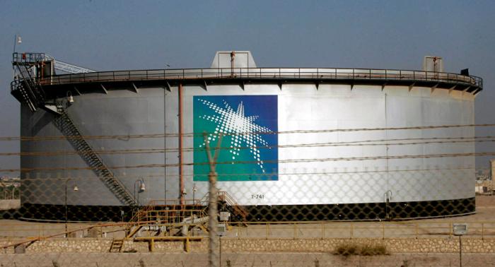 """مسؤول: """"أرامكو"""" مستعدة للطرح العام لكن القرار يعود للحكومة السعودية"""