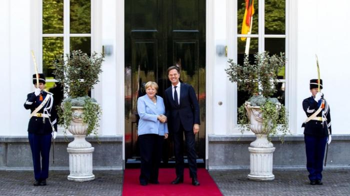 Merkel erwartet bis 2022 eine Million E-Autos