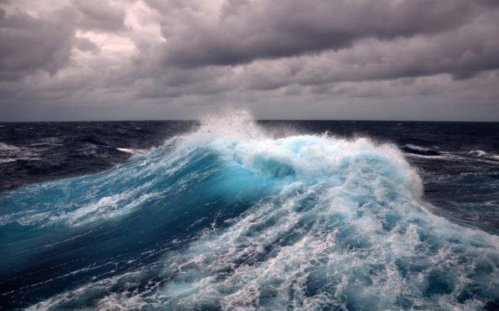 La SOCAR évacue 700 travailleurs du pétrole en mer Caspienne à cause du vent violent