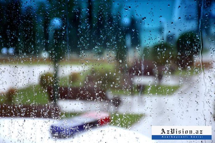 Yağışlı hava şəraiti davam edir