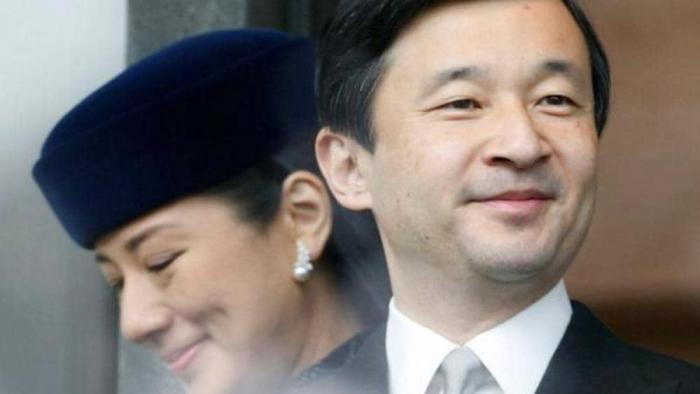 إمبراطور اليابان يعبر عن أسفه لماضي الحرب