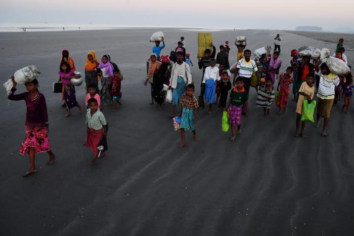 Retour de Rohingyas en Birmanie: sur une base volontaire, insiste l