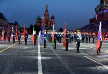 """Orquesta Militar de Azerbaiyán participa en el festival internacional de música militar """"Torre Spásskaya"""""""