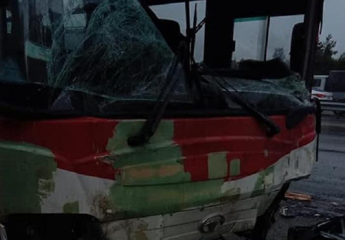 Bakı-Sumqayıt yolunda avtobuslar toqquşdu
