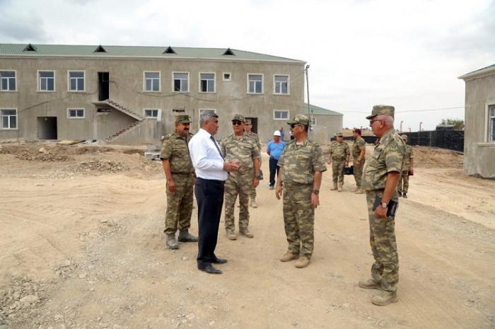 وزير الدفاع على خط الجبهة -   صور + فيديو