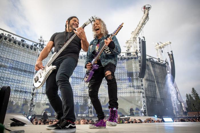 Roumanie : Metallica fait don de 250.000 euros à un hôpital oncologique pour enfants