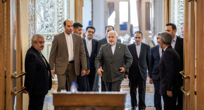 وزير الخارجية الإيراني يلتقي نظيره القطري في الدوحة