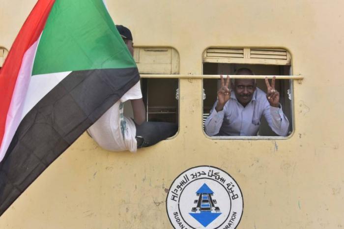 Soudan: le Conseil militaire et la contestation signent l