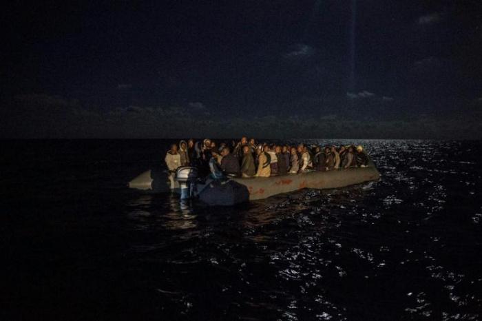 Plus de 300 migrants secourus au large de la Libye