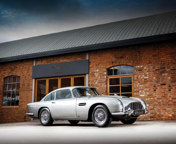 L'Aston Martin de James Bond vendue aux enchères pour plus de 6 millions de dollars