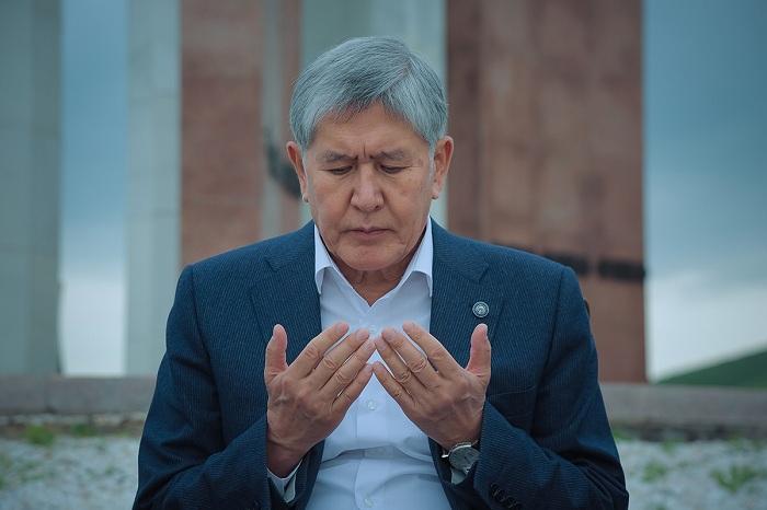 """Mürəkkəb oyunların fiquru: Atambayev nələr etmişdi və harada """"yandı"""" – TƏHLİL"""