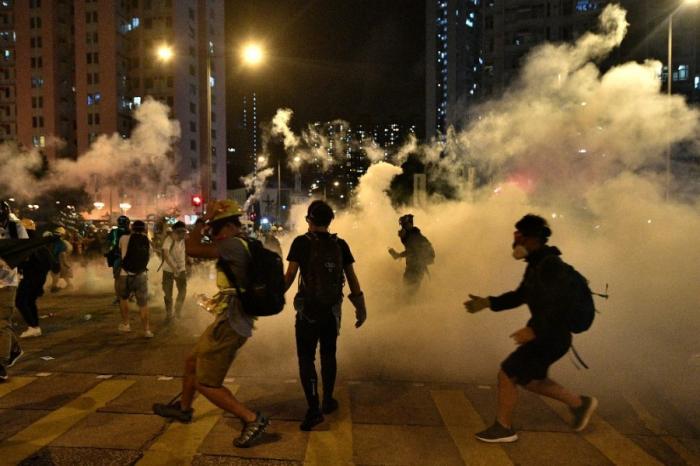 Hongkong: gaz lacrymogènes pour disperser une manifestation