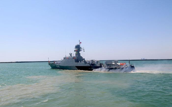 Rusiya və İran hərbi gəmiləri Bakı limanını tərk edib - FOTO