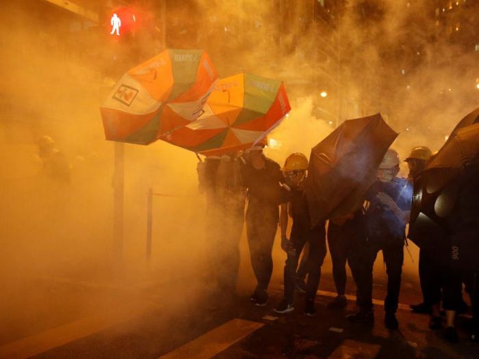 Hong Kong: Twitter et Facebook démantèlent des réseaux de désinformation