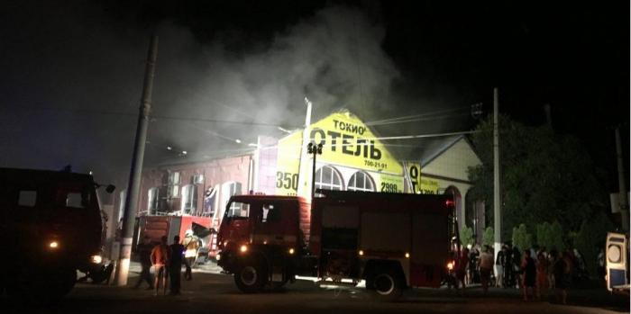 Odessada otel yandı, 8 nəfər öldü - VİDEO