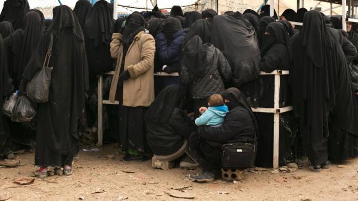 AuswärtigesAmt rettet Waisenkinder von IS-Anhängerinnen aus Syrien