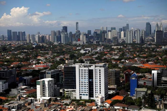 Indonesia pledges $40 billion to modernize Jakarta ahead of new capital
