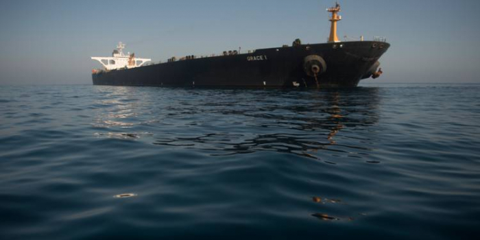 Le tanker iranien libéré par Gibraltar se dirige vers le Liban