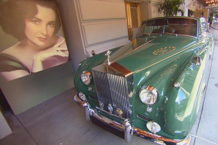 Elizabet Teylorun maşını 2 milyon dollara satılır - FOTOLAR
