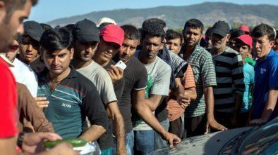 Eighteen migrants hurt trying to cross Bosnia-Croatia border: officials