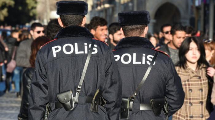 Polis qanunsuz küçə ticarətinin qarşısını alıb