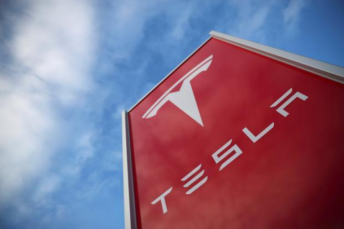 Tesla hit by lawsuit claiming thousands of owners lost battery capacity after software update