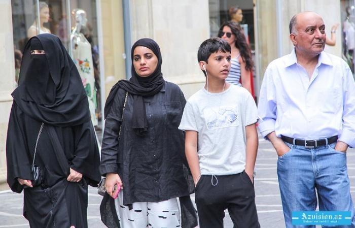 365 ألف سائح يسافرون إلى أذربيجان خلال شهر واحد