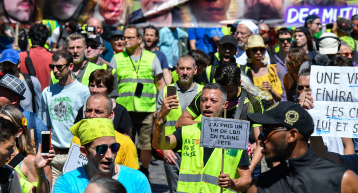 Yellow vest protesters rallies gather in Paris for 39th straight week