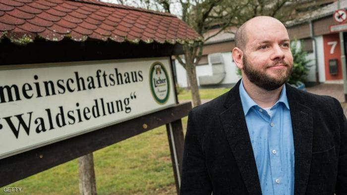 قرية ألمانية تنتخب عضوا في حزب للنازيين الجدد رئيسا لبلديتها