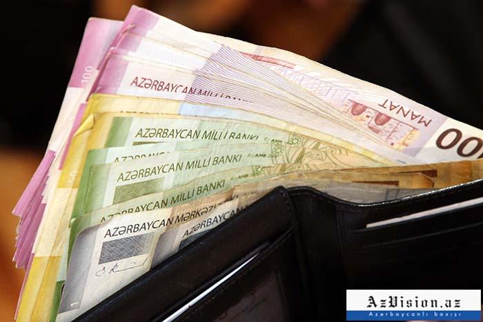 Əhalinin banklarda 8,5 milyard manatdan çox pulu var