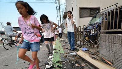 إعصار عنيف يضرب جنوب اليابان.. ويقطع التيار الكهربائي