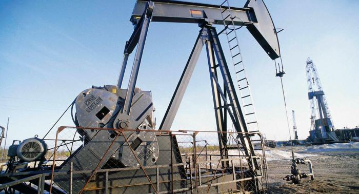 """رئيس """"روسنفط"""" يتوقع انهيار سعر برميل النفط إلى 50 دولارا"""