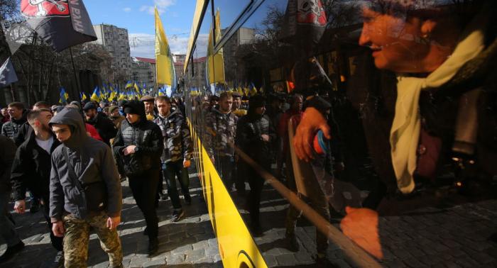 أوكرانيا... انتفاضة ضد الحرب التجارية مع روسيا