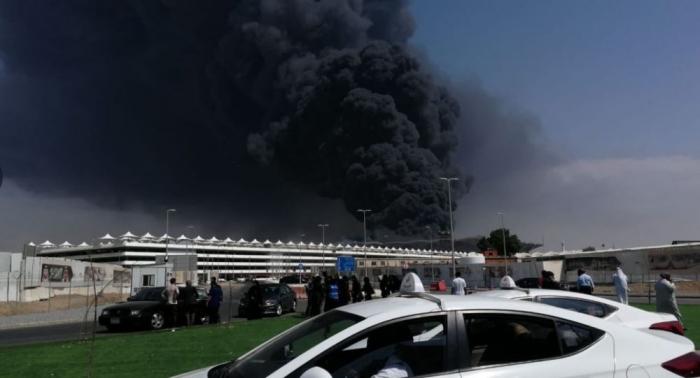 Un violent incendie se déclare dans une station de train à Djeddah, en Arabie saoudite