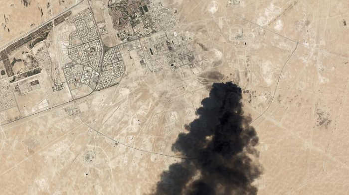 Saudi-Arabien bombardiert Huthi-Rebellen