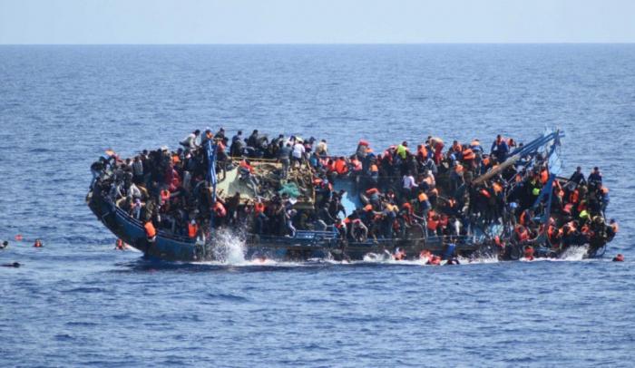 Hindistanda gəmi qəzası, 12 turist ölüb