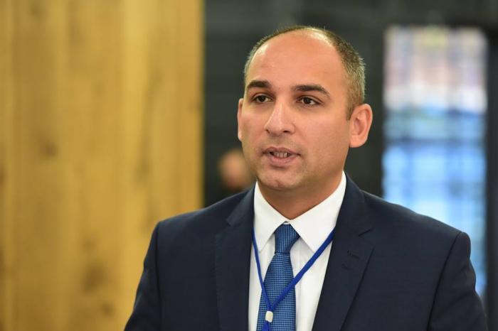 El viceministro de Educación de Georgia agradece al presidente de Azerbaiyán