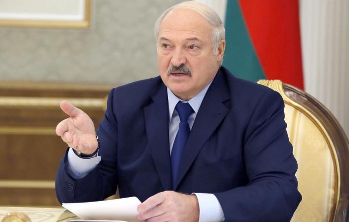 """""""Kişilər qadınlardan utanır, axmaqlıq etmirlər"""" - Lukaşenko"""