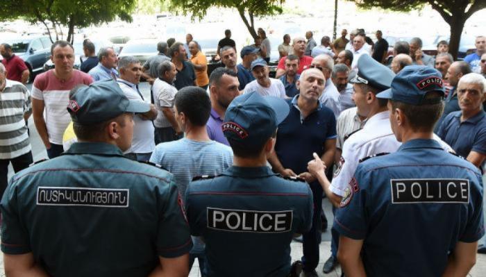Ermənistanda təqaüdçülər itaətsizlik aksiyası keçirir