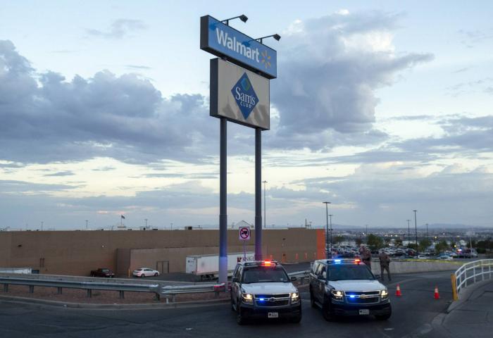 Walmart limita la venta de municiones para armas tras la masacre de El Paso