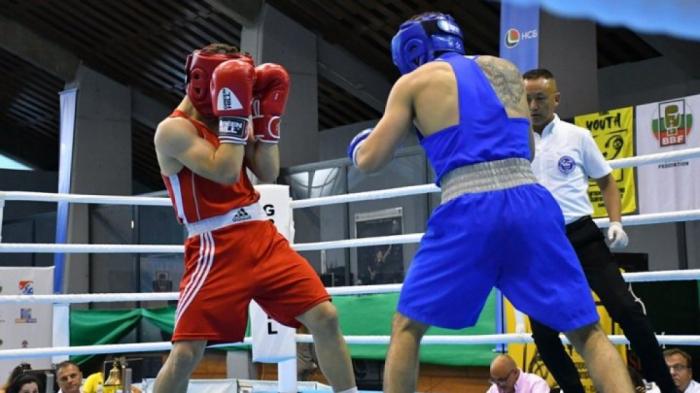 Un boxeur azerbaïdjanais en demi-finales aux des championnats d
